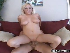 Blot out Jay enjoys having blonde milf Jessica riding
