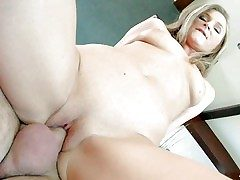 Underwriter Fall guy is a sex energized European MILF. Attractive woman