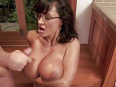 Tempting always horny wild cougar Lisa Ann with downcast glasses