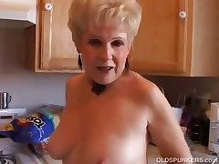 Very glum grandma has a sloppy sloppy pussy
