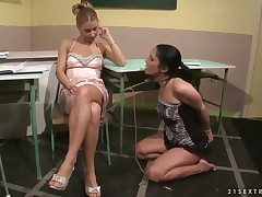 Blonde and Nikky Thorne love another lesbian