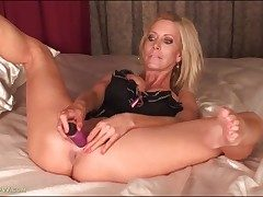 Blondie porn industry star mother Pamela Rivett pulverizes a toy