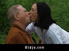 Scandalous old and youthful bang in the garden
